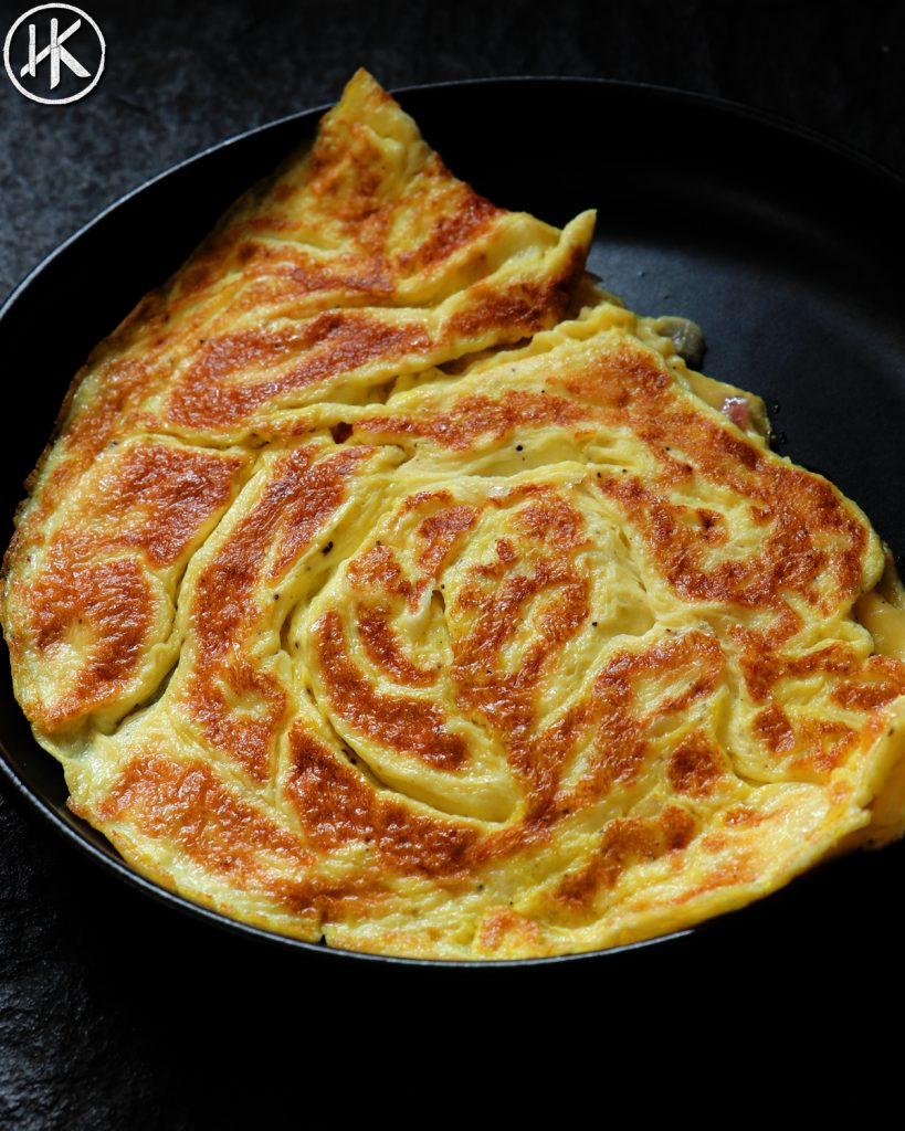 SOUR CREAM AND ONION OMELET