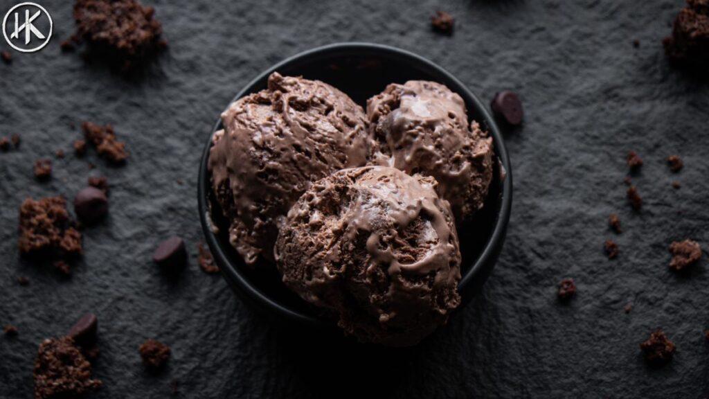 keto chocolate ice cream with cake
